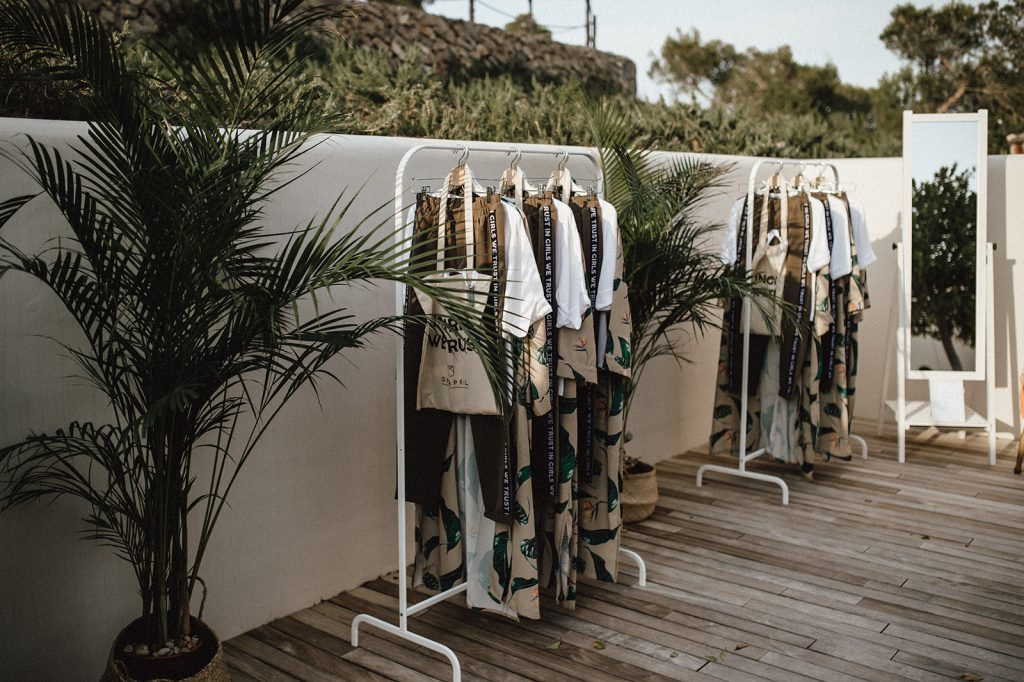 Carmushka-Summerhouse-Influencer-Escape-Brandcorner-Villa-Ibiza-Showroom-Decoration-Palms-Fashion