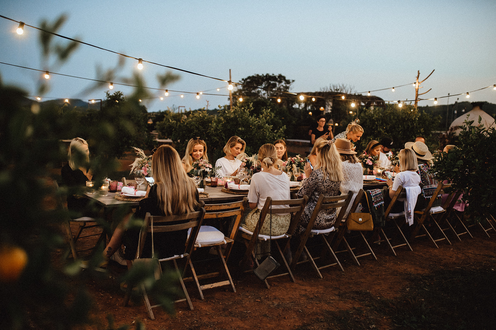 Carmushka-Summerhouse-Influencer-Squad-Teilnehmer-Ibiza-Dinner-Onygo-Farm